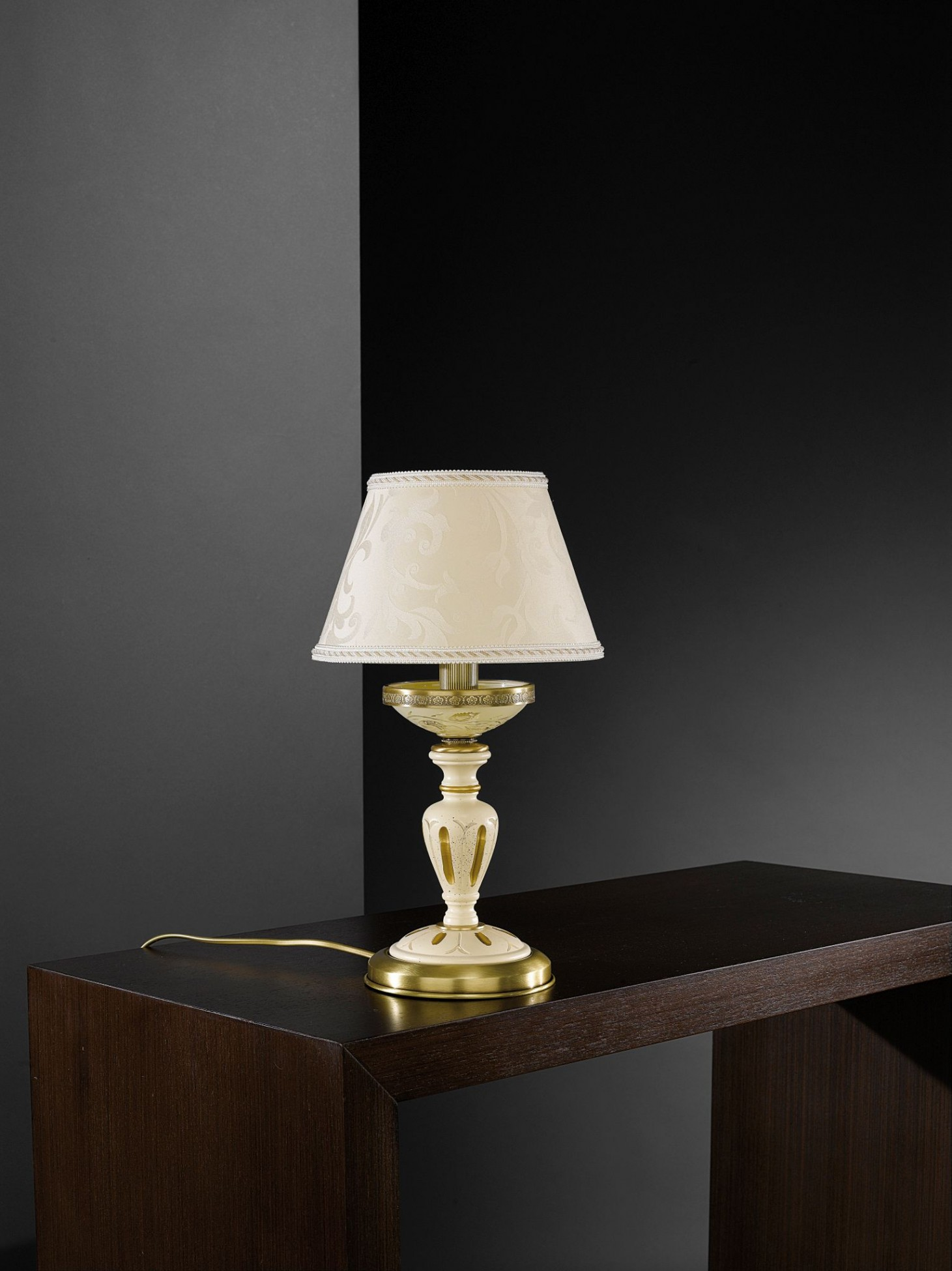 Lampada da comodino in ottone, legno e vetro crema con paralume  Reccagni Store