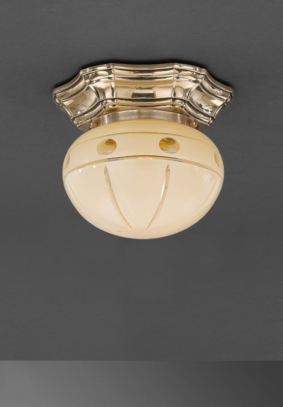 Classic brass ceiling lamp with glass sphere. PL.7833/1
