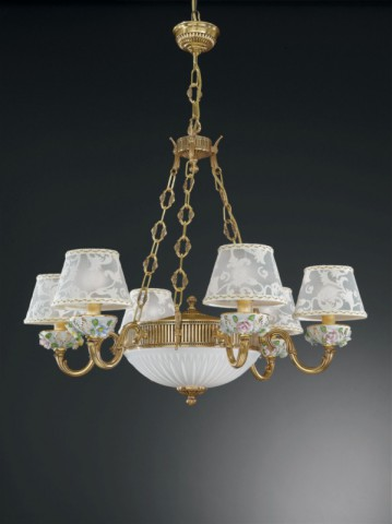 8 lights golden brass and painted porcelain chandelier with lamp shades