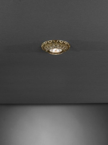 Traditional brass recessed ceiling spotlight