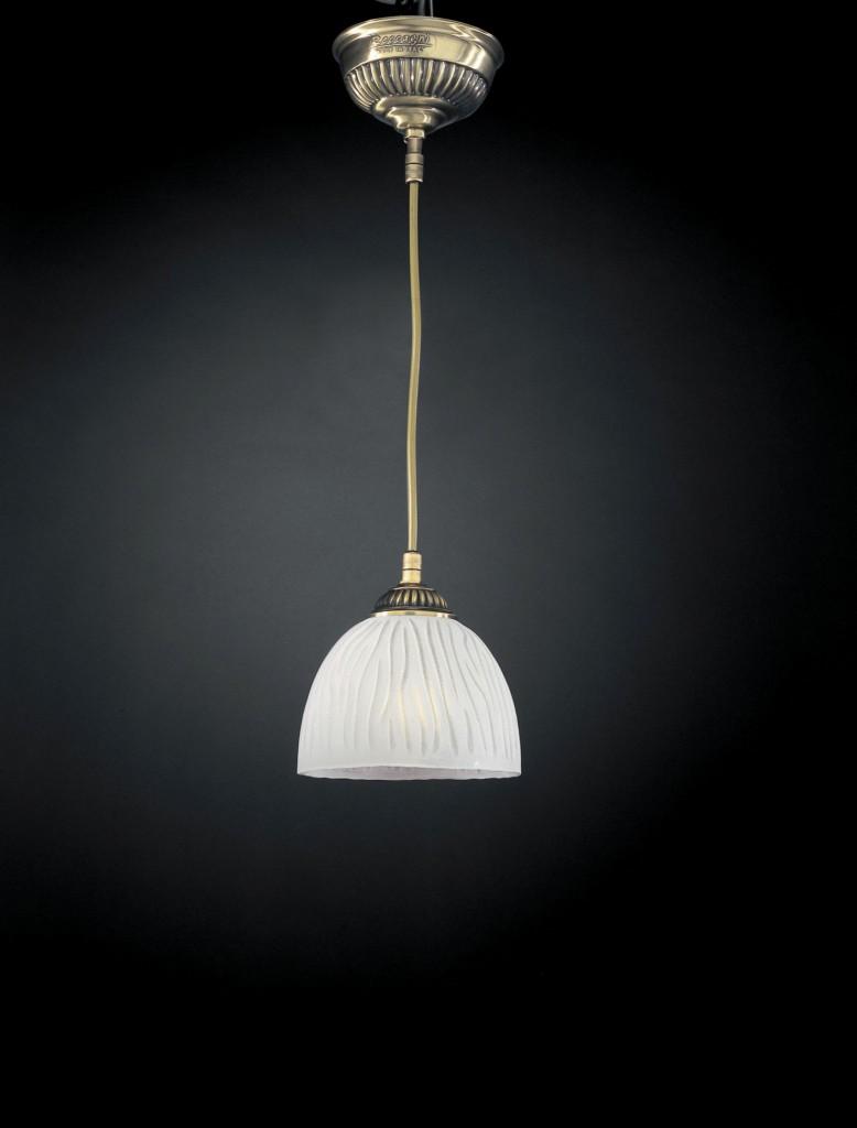 Illuminazione classica per interni reccagni store for Lampade da comodino leroy merlin